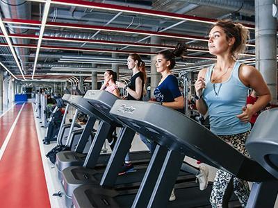 Исследование: россияне начали активно посещать фитнес-клубы