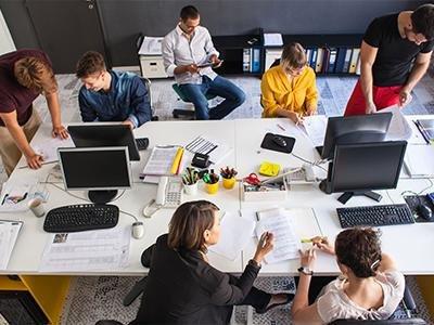 Российские компании не торопятся возвращать сотрудников в офисы