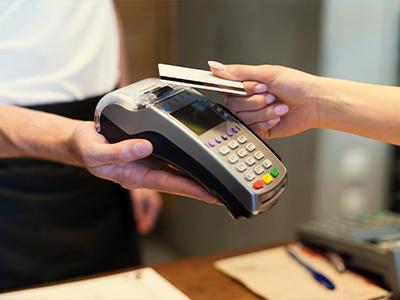 У клиентов Альфа-Банка появилась новая возможность: перевод с карт физлиц на бизнес-карты